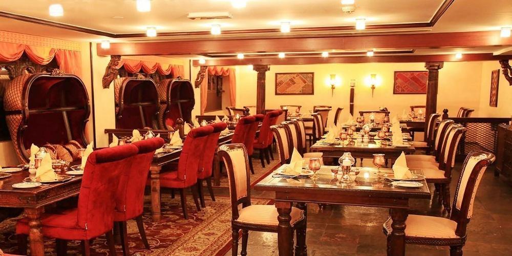 Mumtaz mahal restaurant arabian courtyard hotel & spa bur dubai