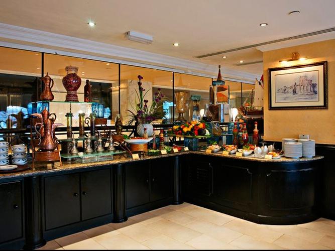 Restaurant arabian courtyard hotel & spa bur dubai