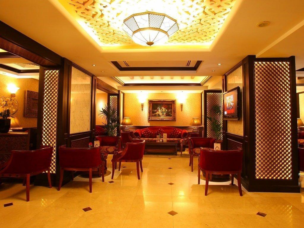 Eat at the best hotel restaurants in dubai arabian courtyard for Dubai best hotel name